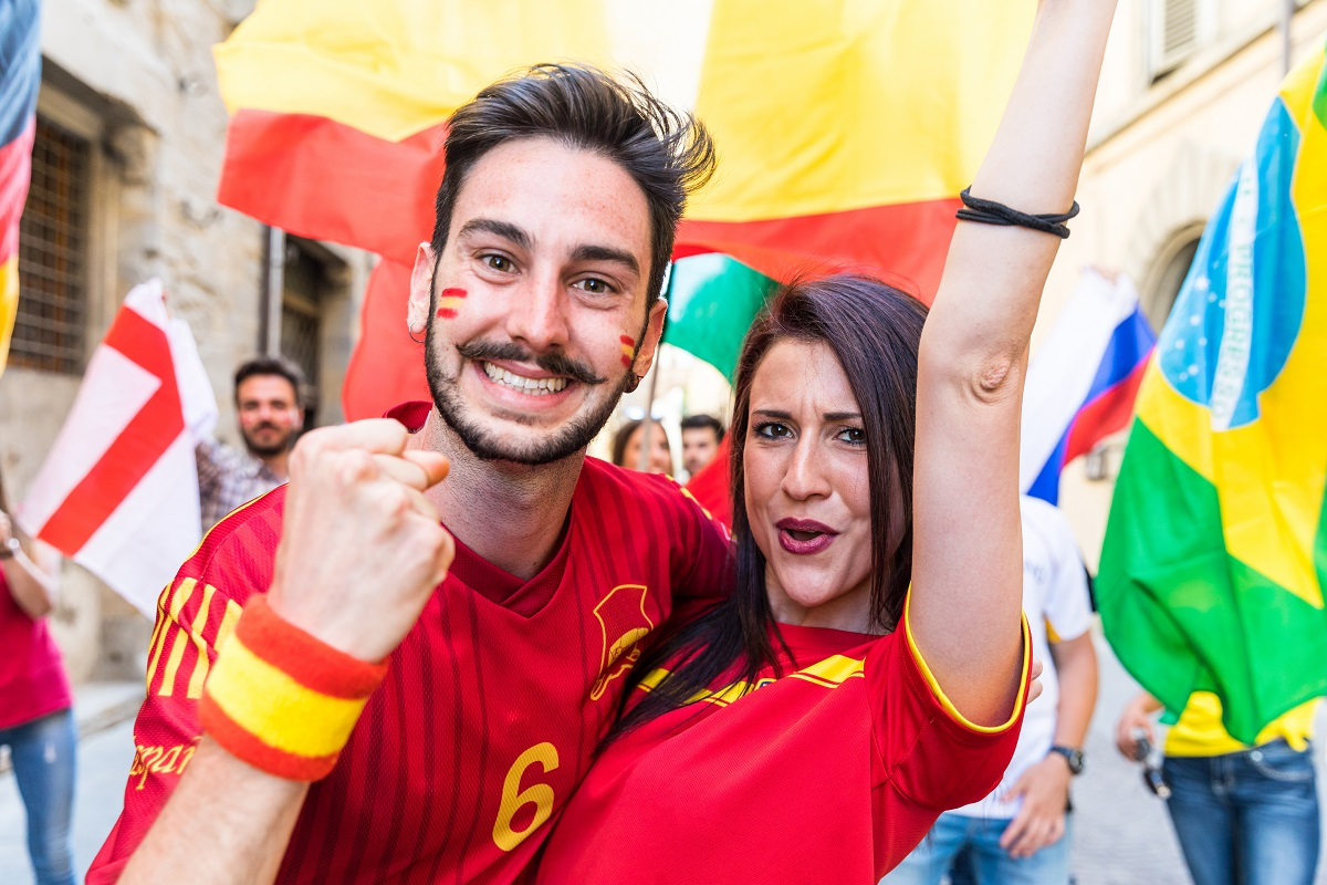 Happy couple fans supporters from Spain