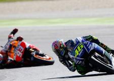 Polémica en Sepang: Rossi tiró a Márquez